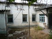 Рисовый базар,  6 соток,  на участке старый дом 4 комнаты 33000